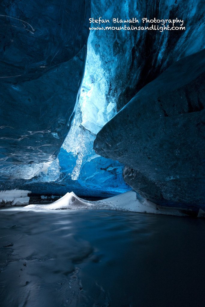 The Light Room - Magic Ice Cave